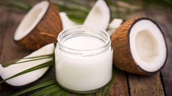 L'huile de noix de coco, véritable trésor de bienfaits !