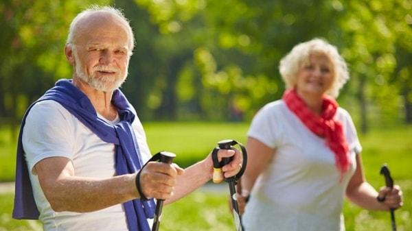 Quels sports pratiquer après 60 ans ?